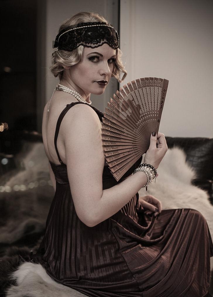 1920_flapper_girl_by_chrixdesign-d8ci2xj.jpg