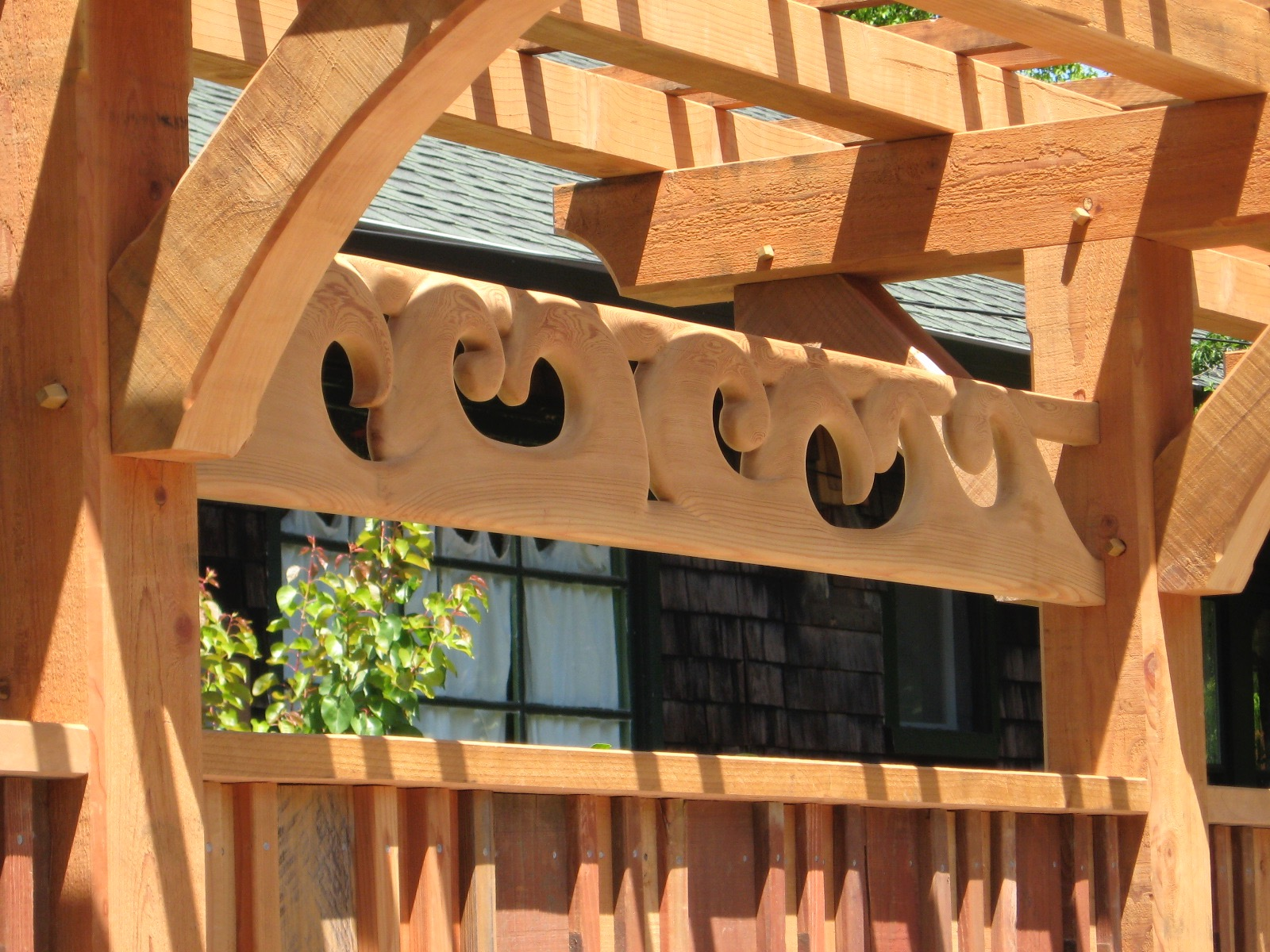 BAYVIEW FENCE TRELLIS CARVING