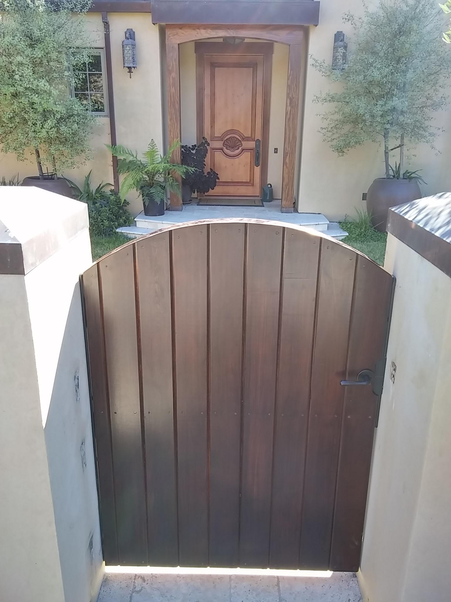 VERT RDWD ENTRY GATE