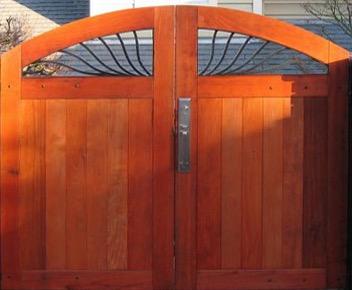 BI SWING REDWOOD GATE W/ METAL INSERT