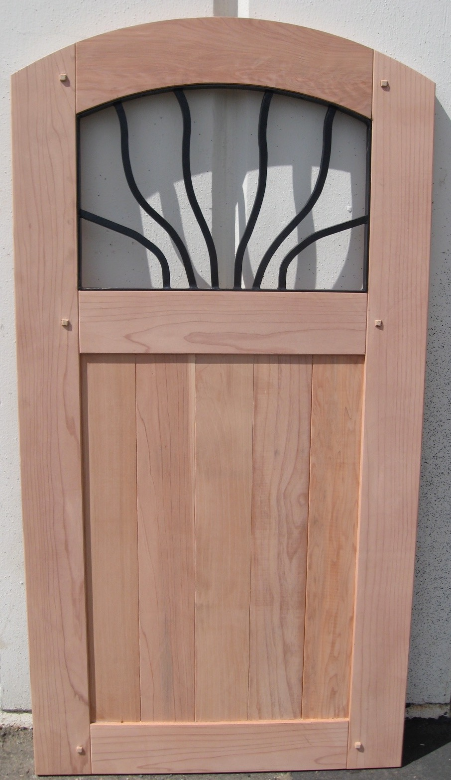 REDWOOD: STEEL GATE MADE TO ORDER