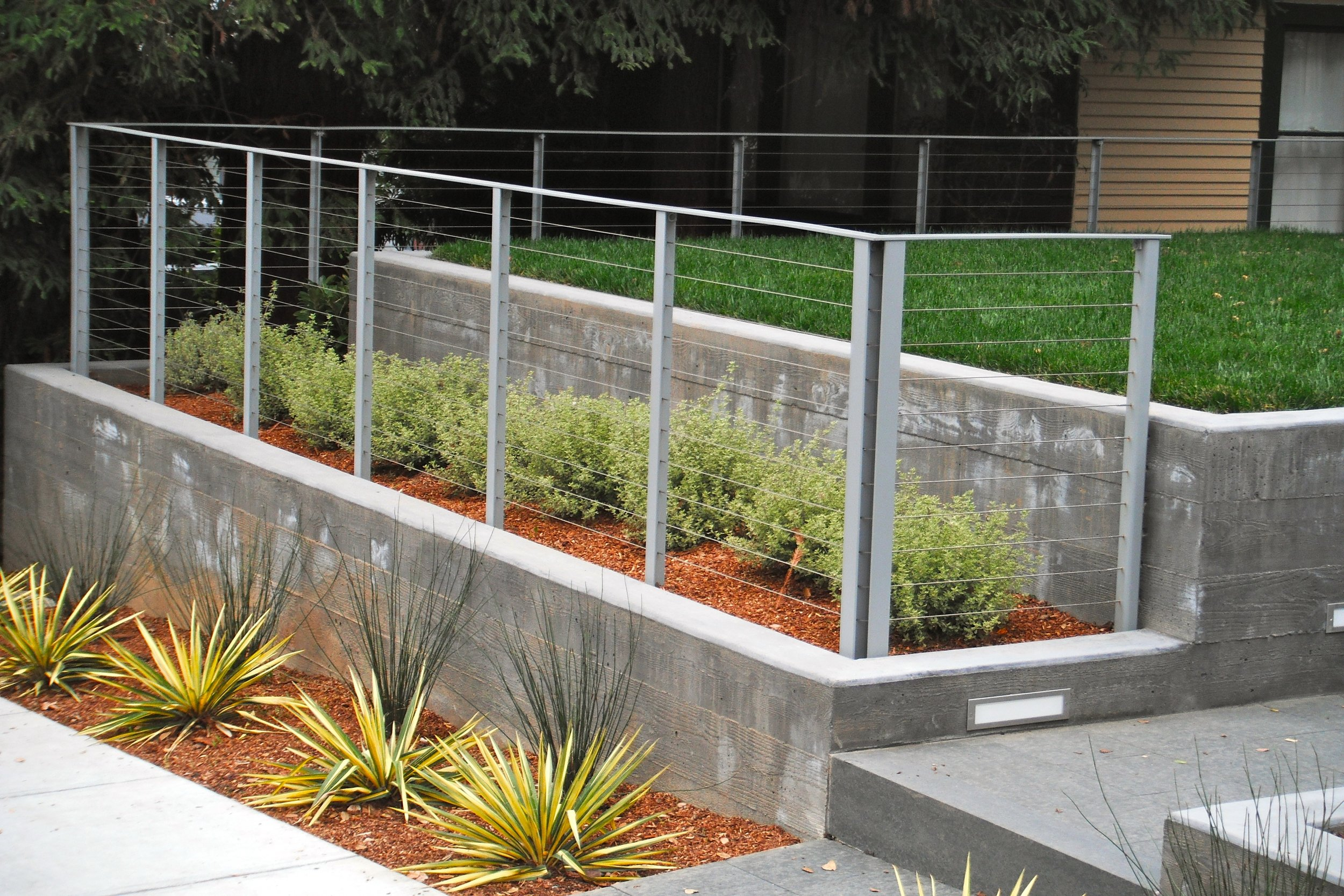 STEEL CABLE RAILING