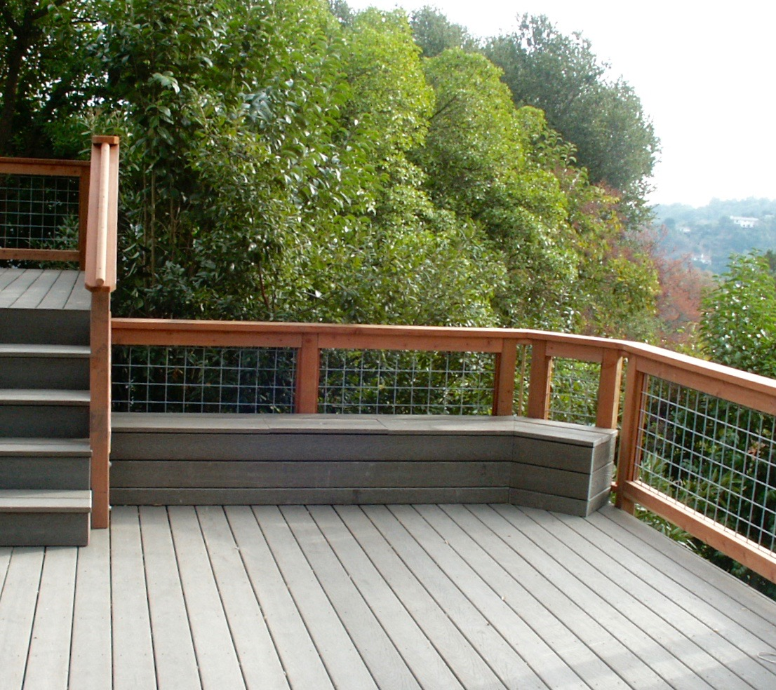 REDWOOD HOGWIRE RAILINGS