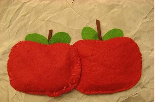 kindy apples 500 px.jpg