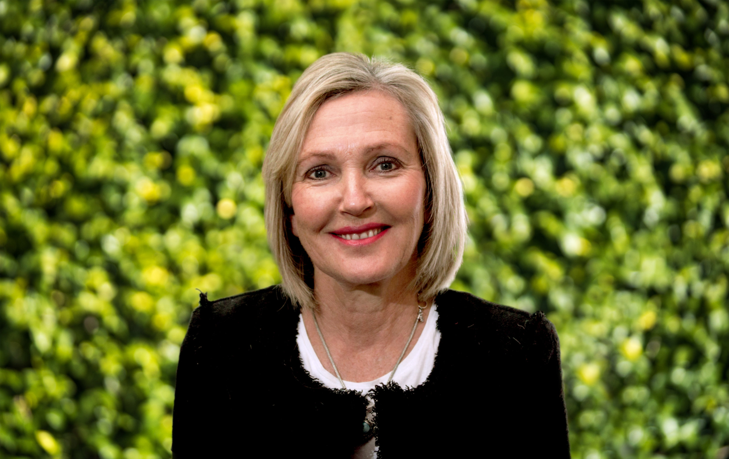 Robyn Scott-Vincent    CEO & Founder   With a long history in documentary film-making, Robyn leads the team and sets the vision for the future. Robyn is a creative force who has a strong belief in driving social change.