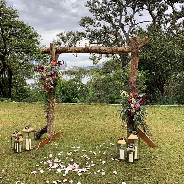 Perfect little break in the rain for a beautiful wedding today at @atholhallvenue in Mosman ❤️