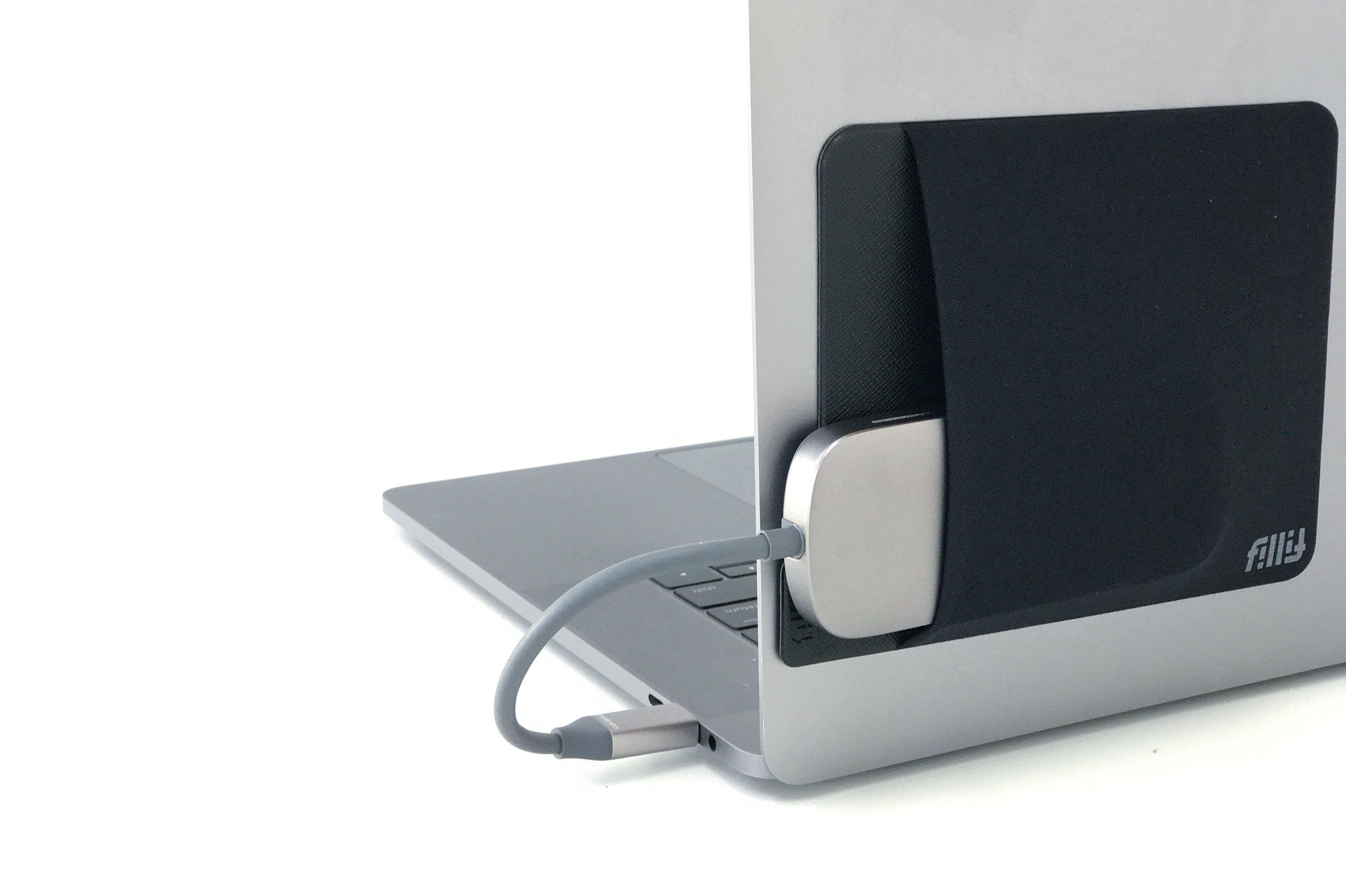 FillitPocket_Macbook_USBHub