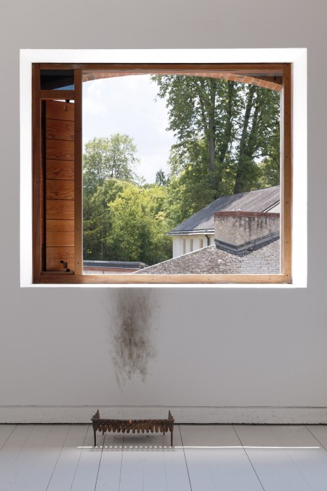 Juliette Blightman,  This World is not my Home,  2010,