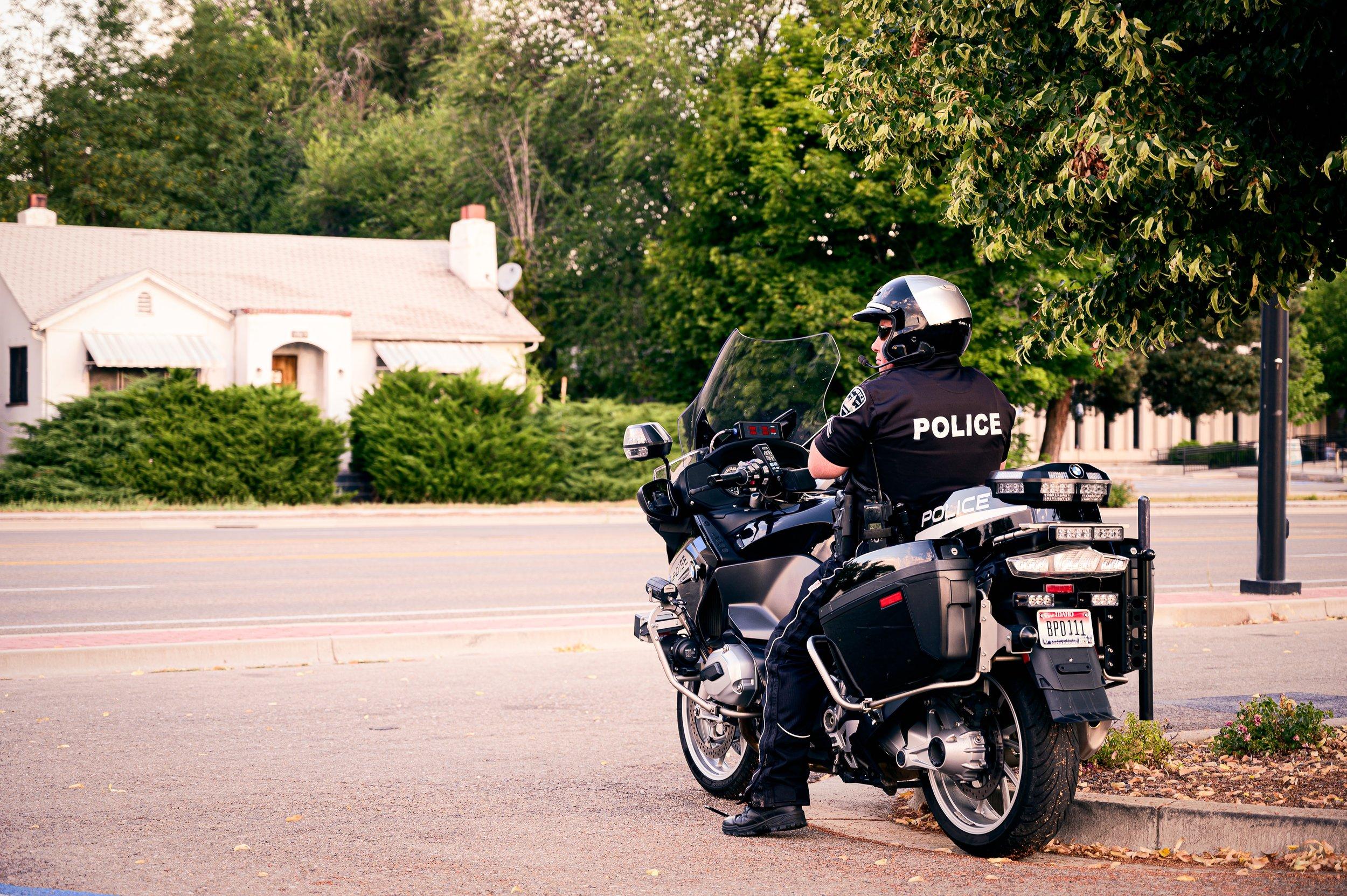 biker-curb-leaves-2902372.jpg