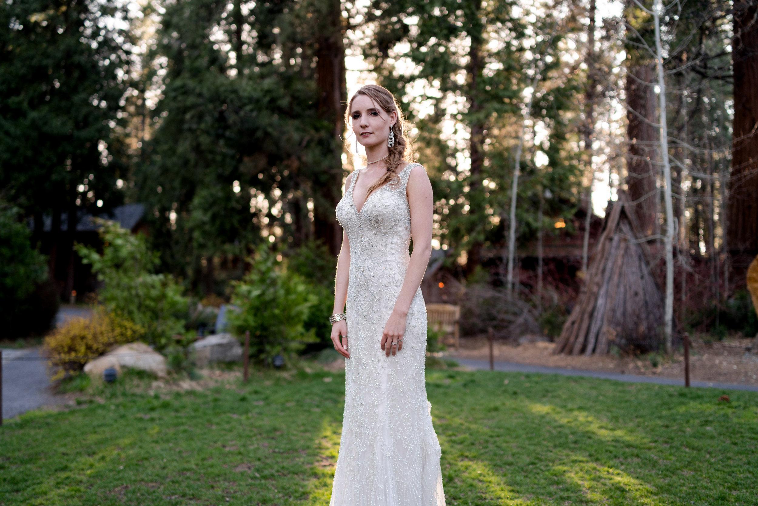 yosemite-evergreen-lodge-wedding-emilychris (18).jpg