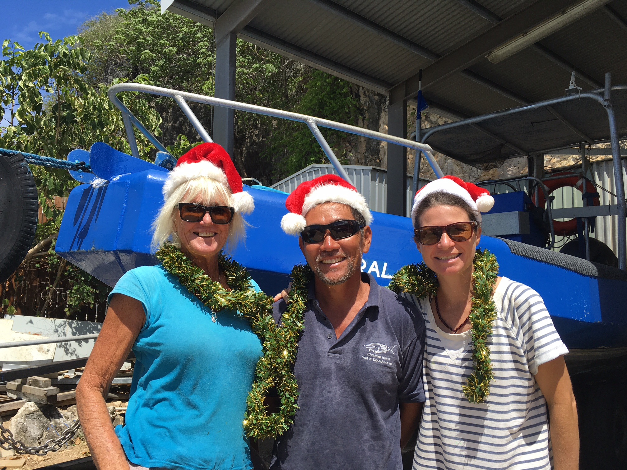 Merry Christmas from the CI Wet'n'Dry Adventures team- never afraid to show their sparkle!