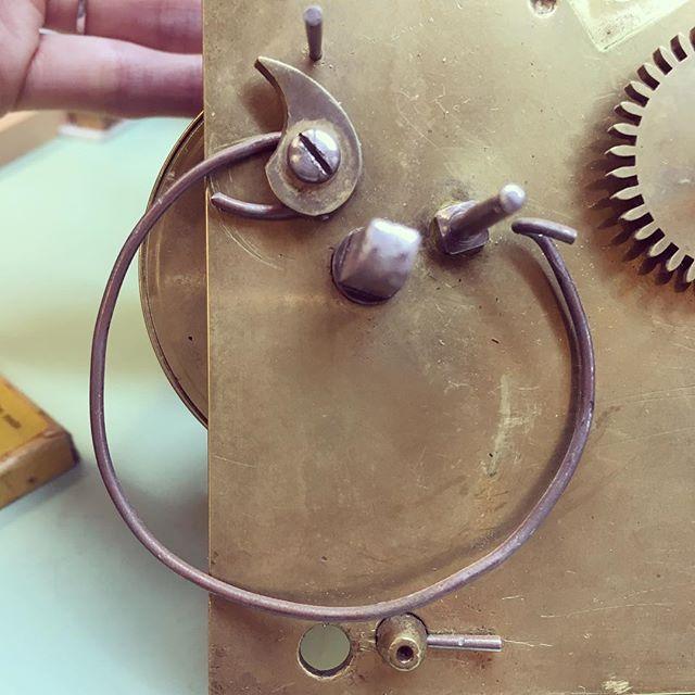 ❌ Not a suitable rack spring replacement  #rubbishrepair #clockrepair #antiqueclocks #clockmaker #clockworkshop