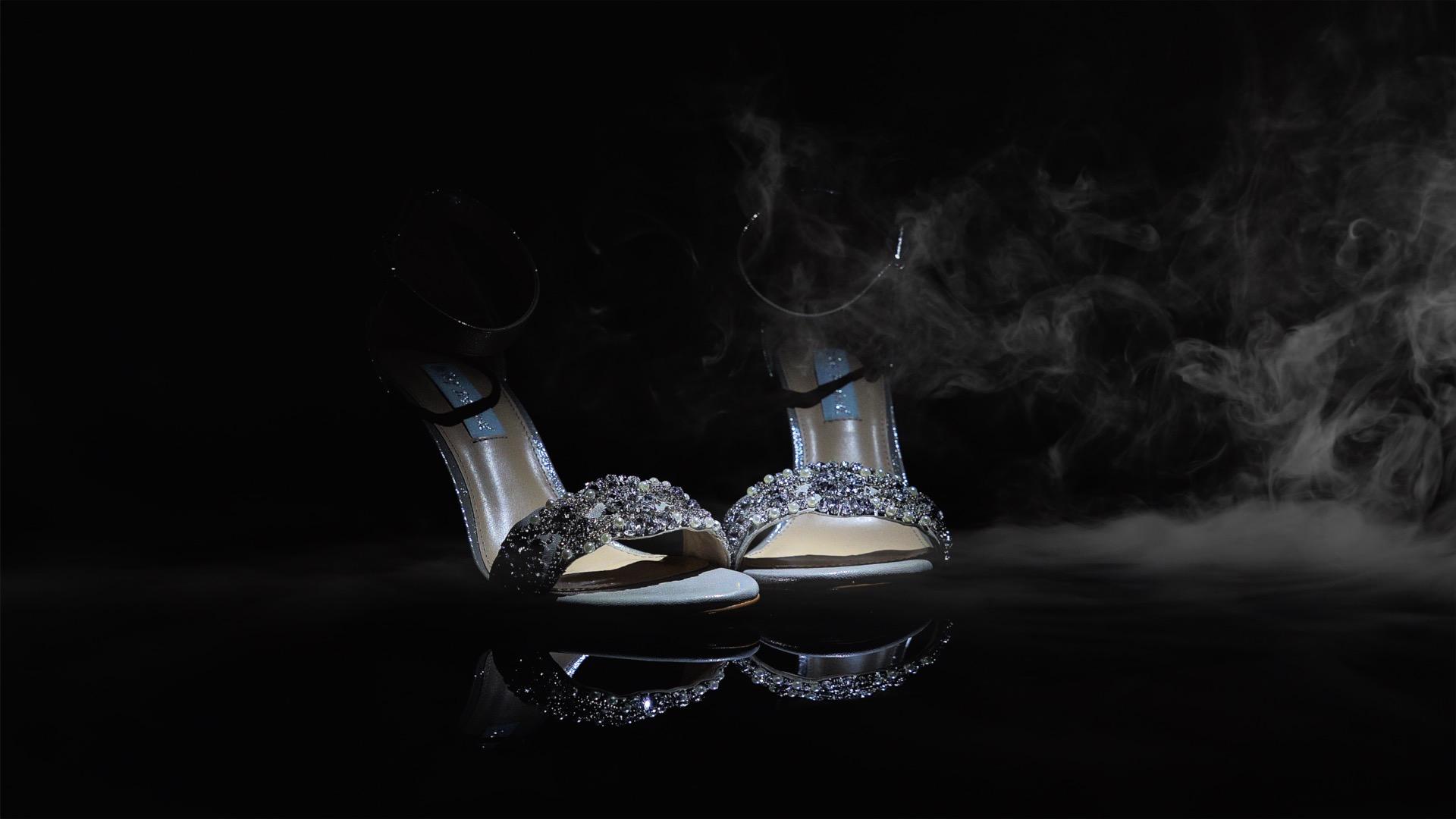 Selena & Mat Shoe smoke .jpg