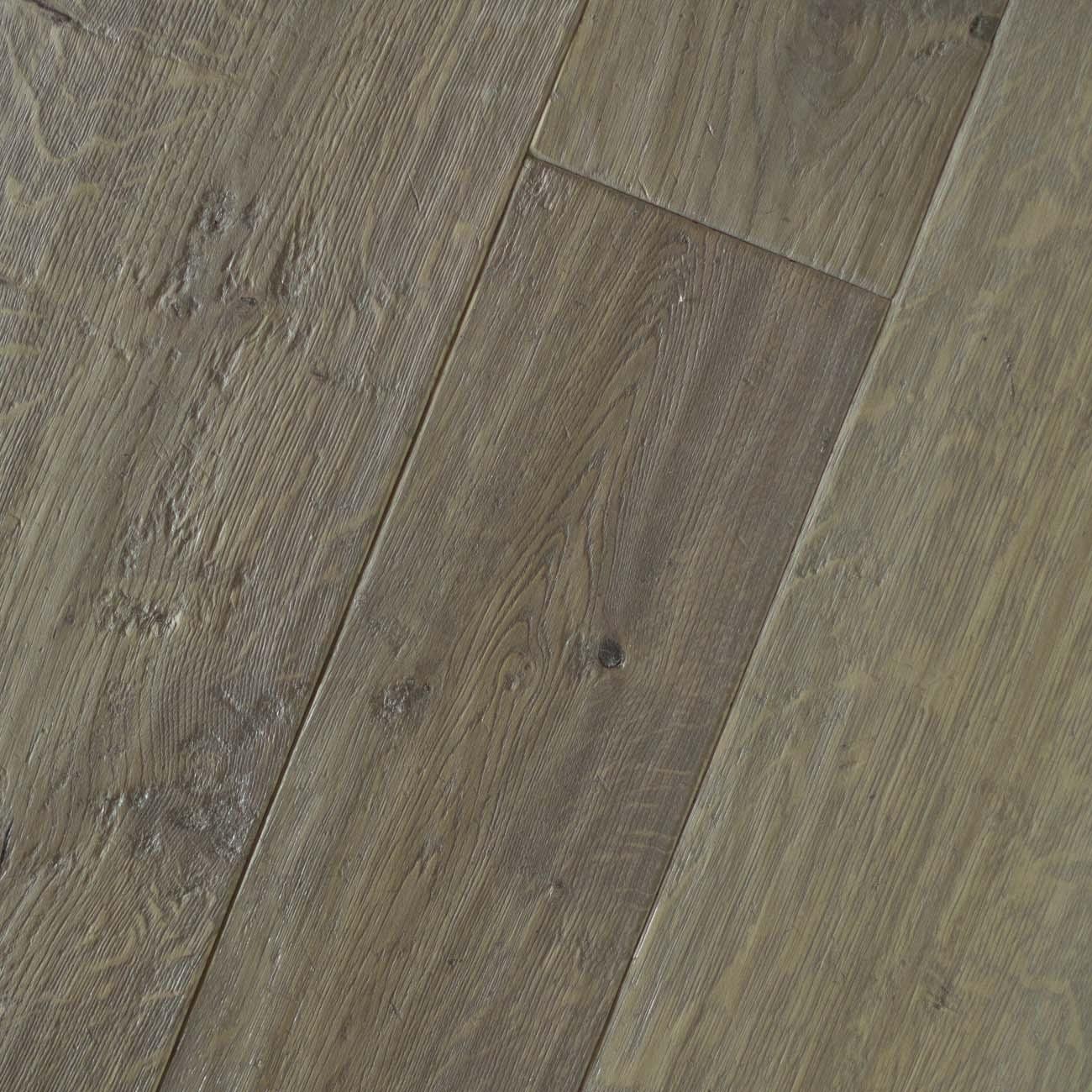 3 Distressed oak traditional floors Grisled tudor.jpg