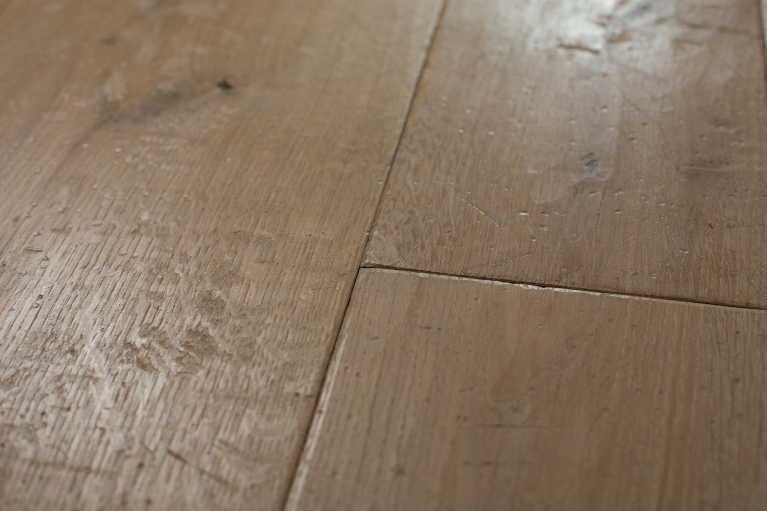 Wide board oak flooring