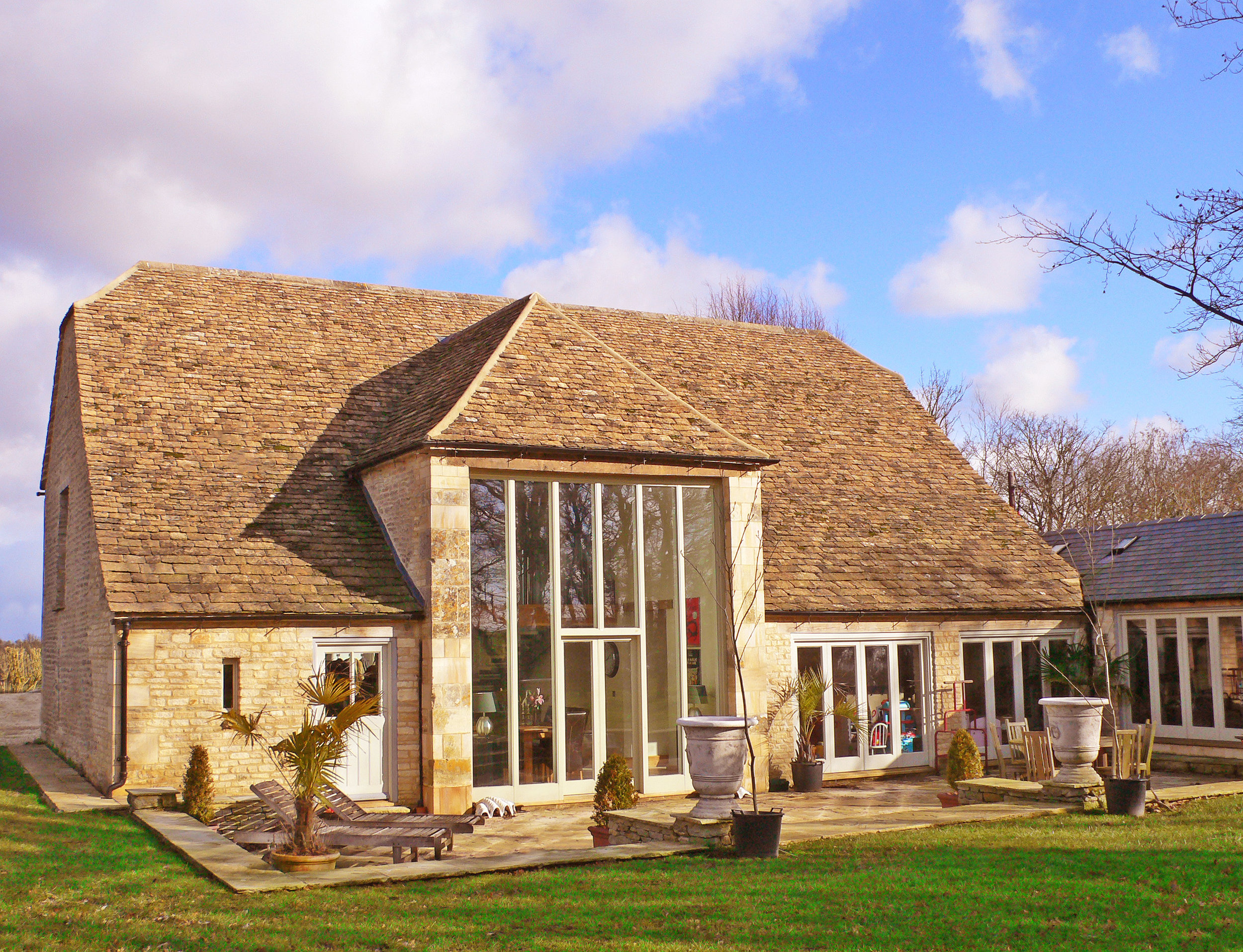 Historical Barn Conversion Cotswolds (3).jpg