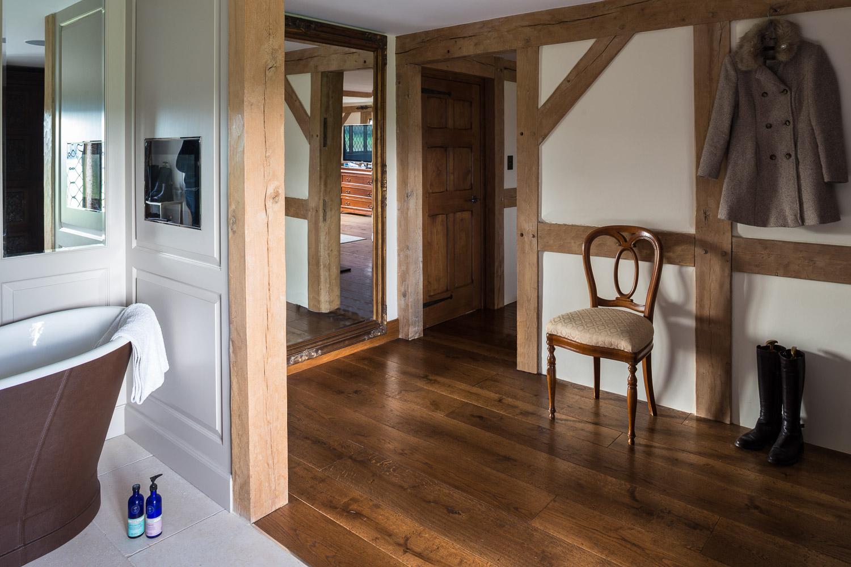 Underfloor heating on wooden floor