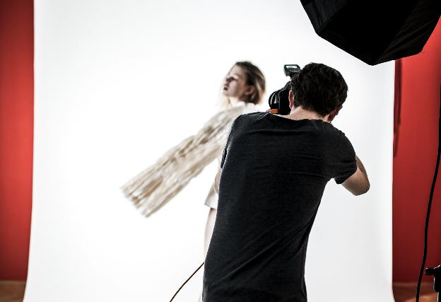 fotoshooting-wien-Adriana-Patsalou-digitalagentur-constant-evolution.jpg