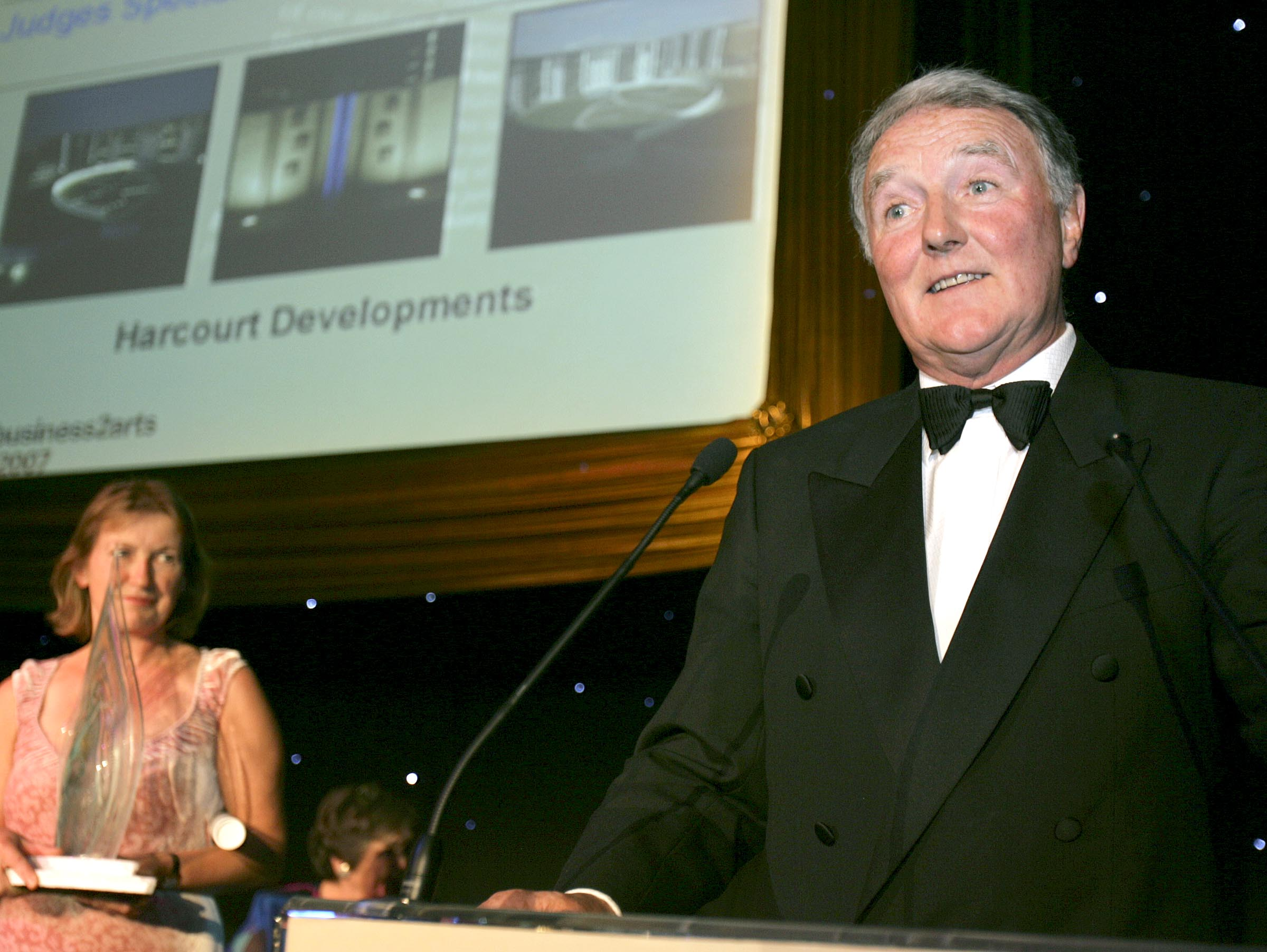 Harcourt director Mike Murphy and artist Vivienne Roche accepting the 2007 Business to Arts award