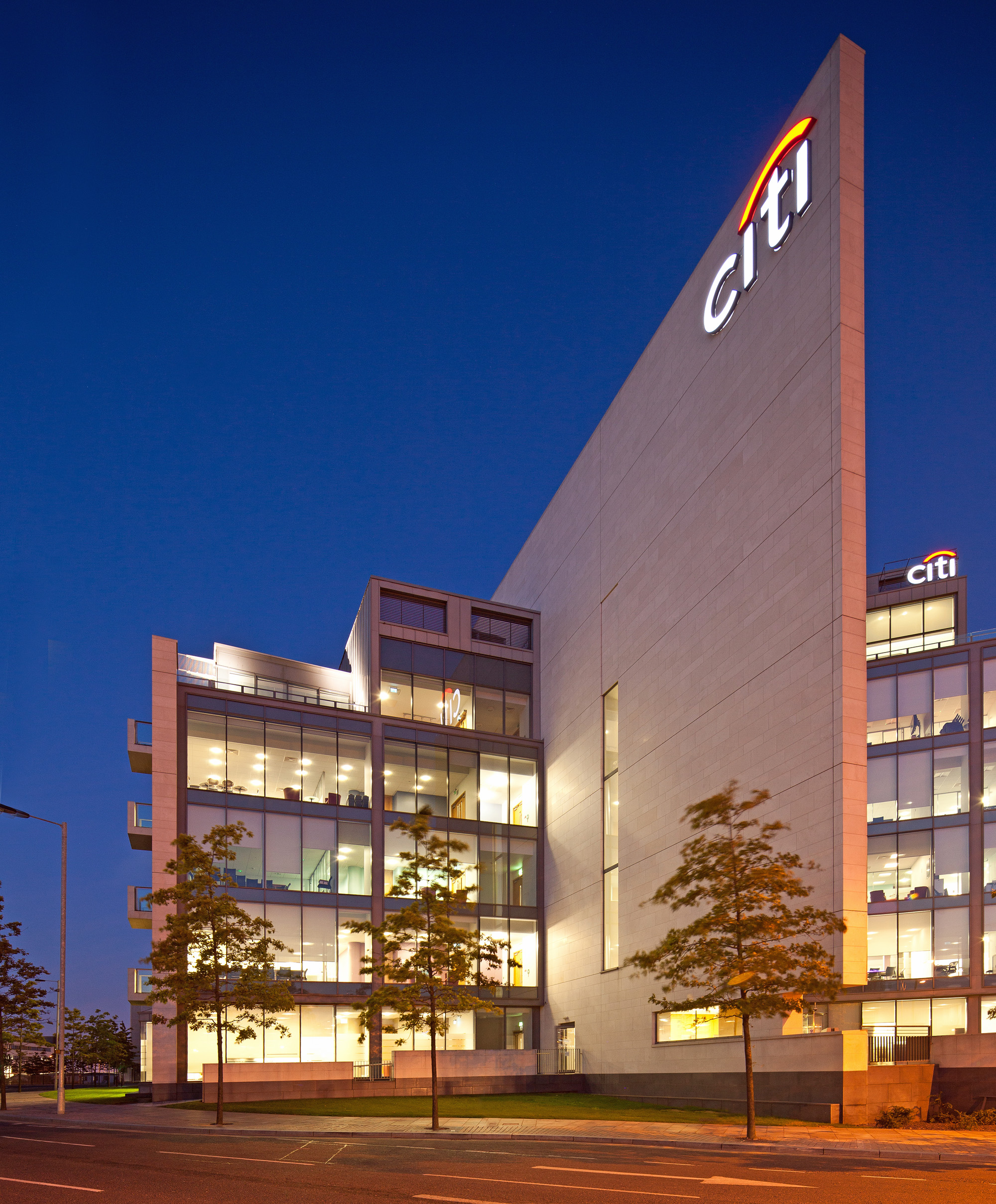 The building comprises three accommodation blocks, central feature courtyard and underground car parking, and has been let to Citi since the building was completed in 2009.
