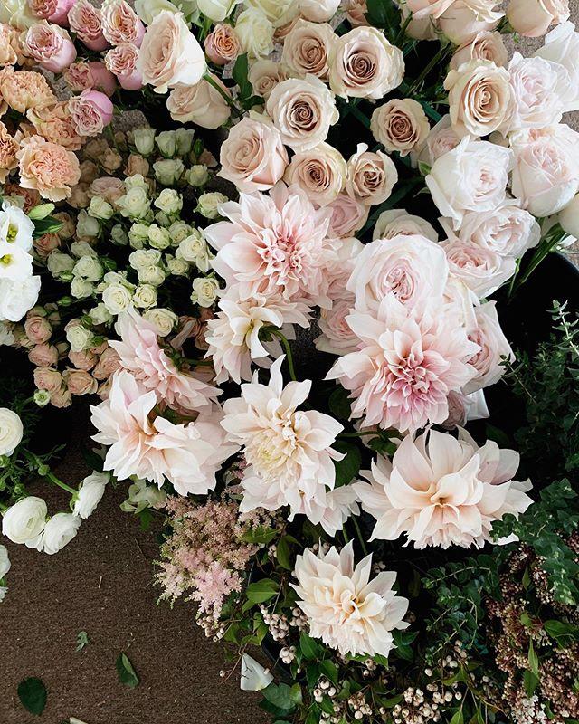 Florals for Rebecca. Such a pretty palette 💕🌸🌿
