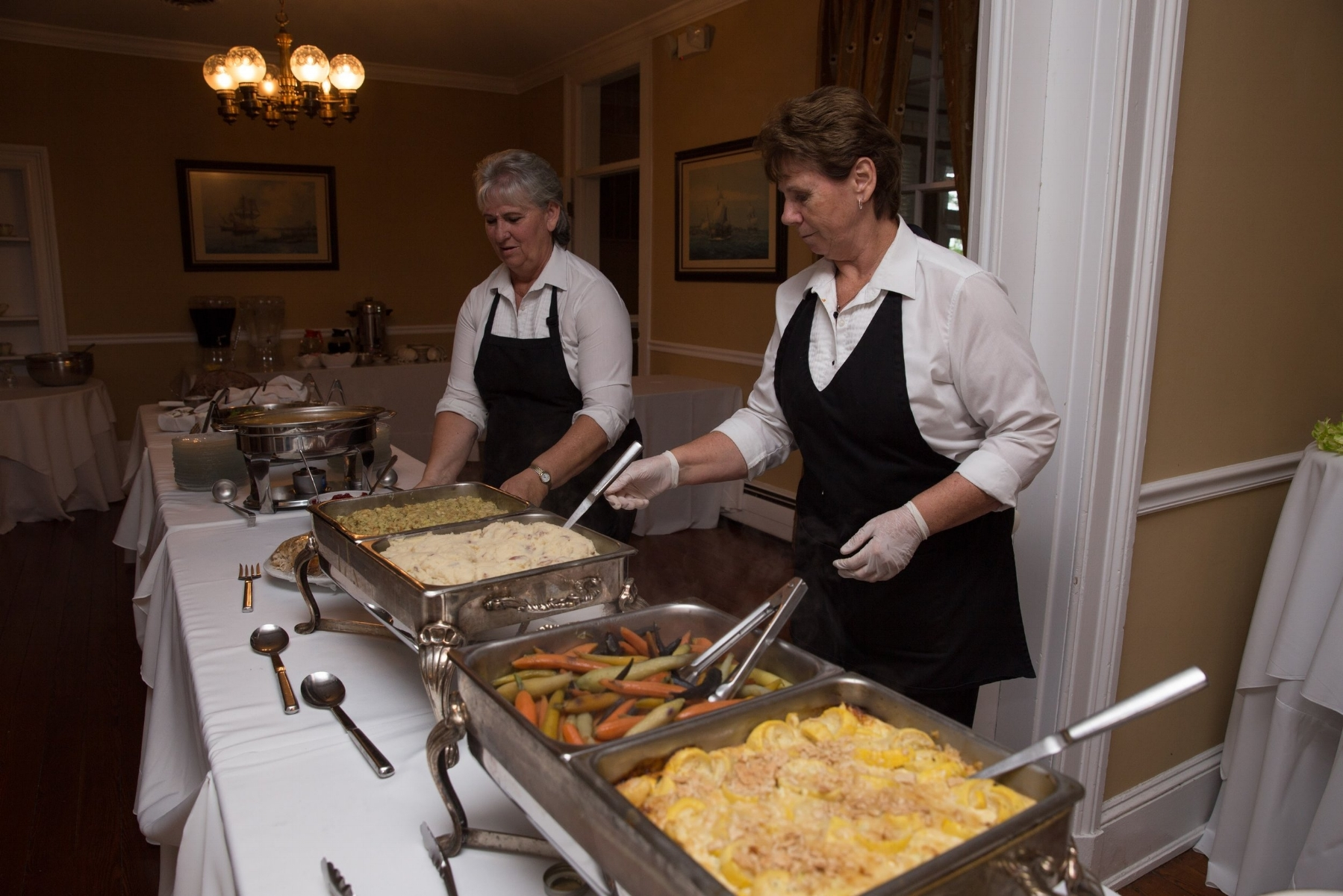 We provide service to fit your event's style, from formal sit-down dinners to casual food stations.