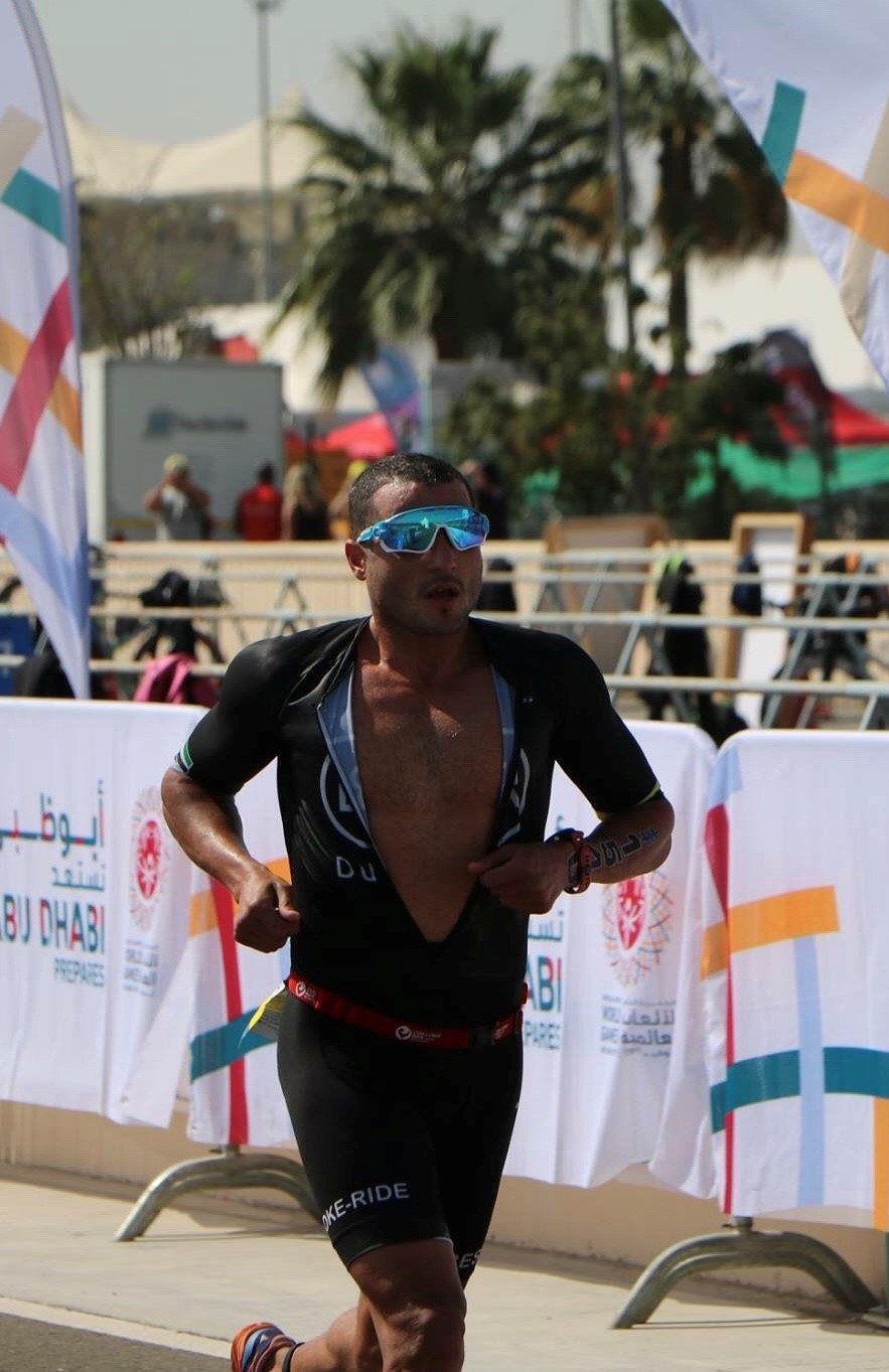 Mohamed Ali Belal on his way to win the ITU Olympic distance Abu Dhabi in 2018