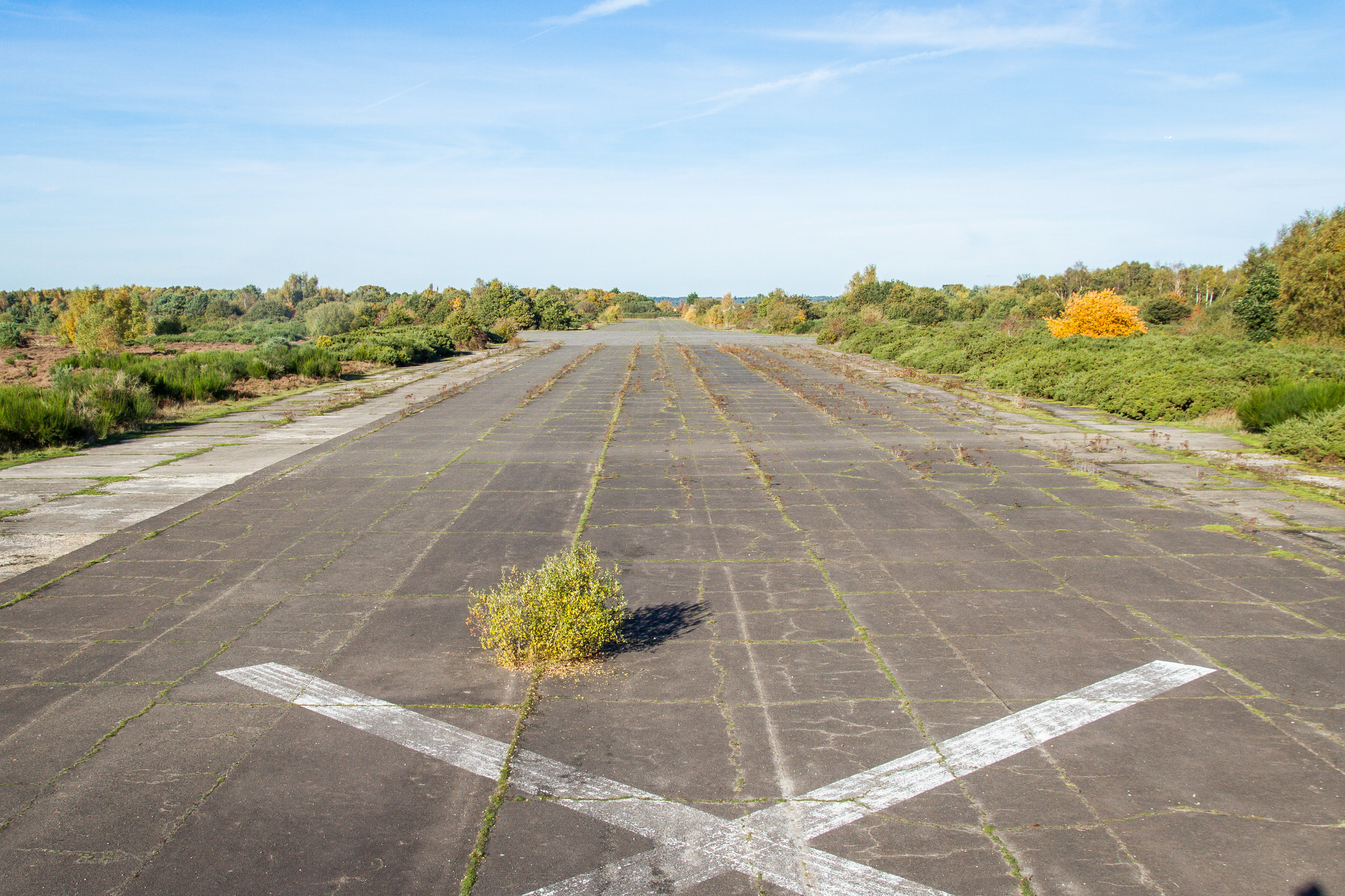 RUNWAY+01_FACING+NORTH_HIGH.jpg