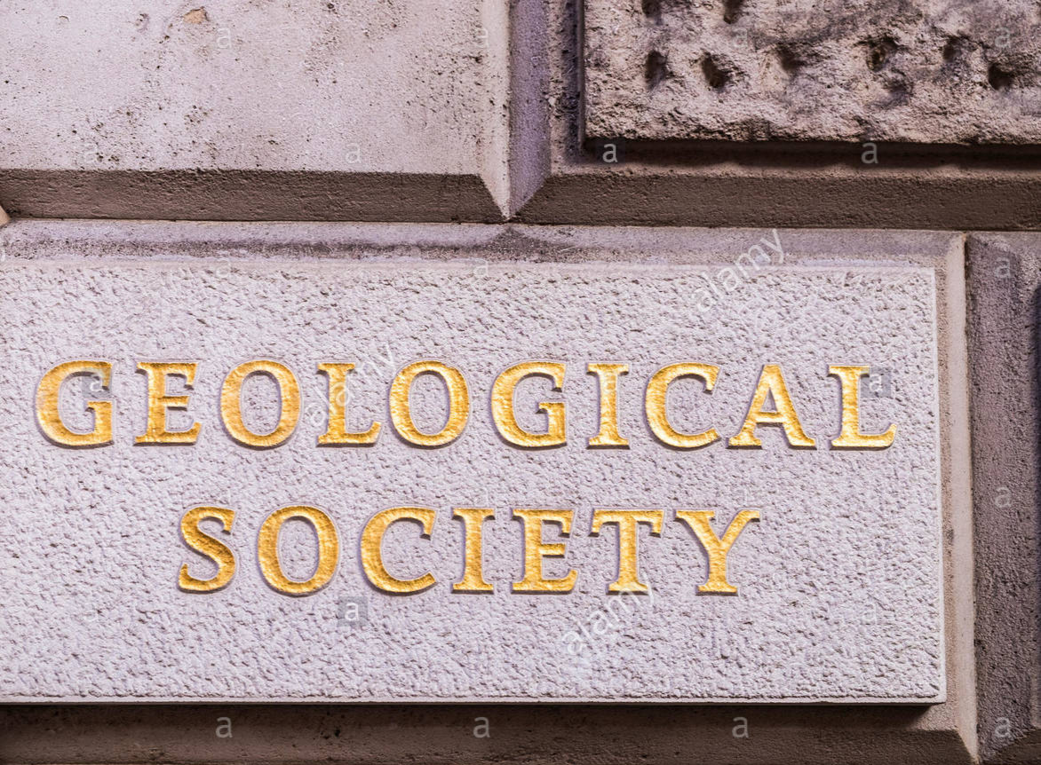 geological-society-burlington-house-london-england-uk-GGDJ3T.jpg
