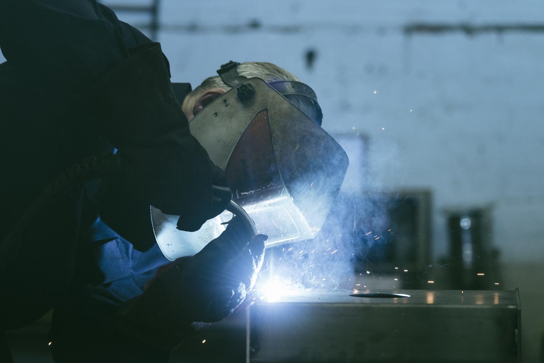 Daniel Thumwood making the Harrison Charcoal Oven