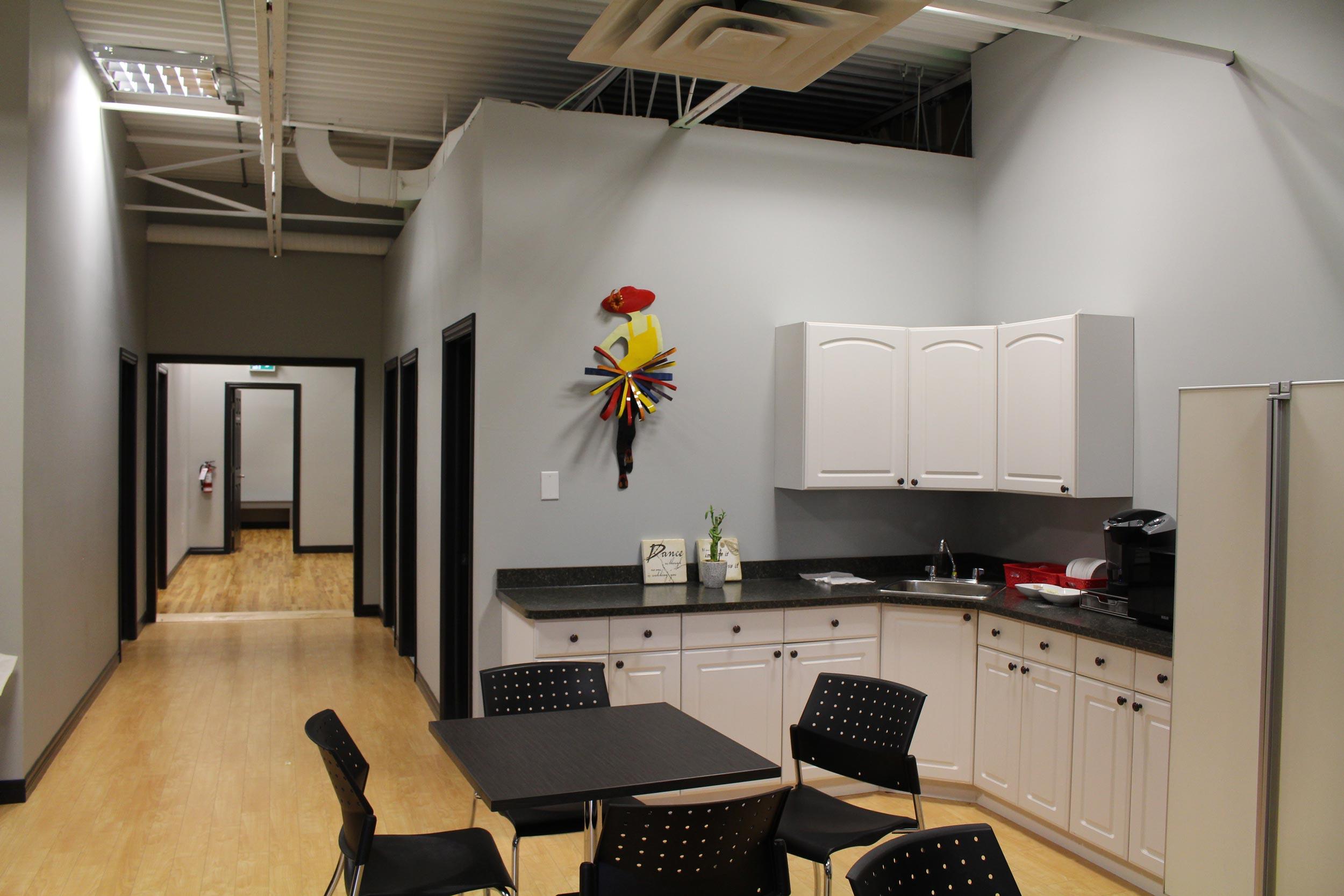 AxisDanceStudio_Facility6.jpg