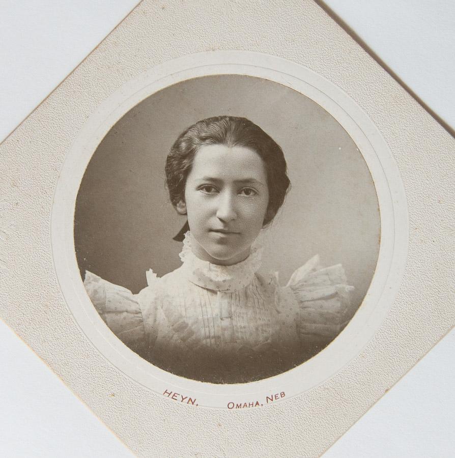 time to print your photos - Stella Vennum Steuteville ca 1900