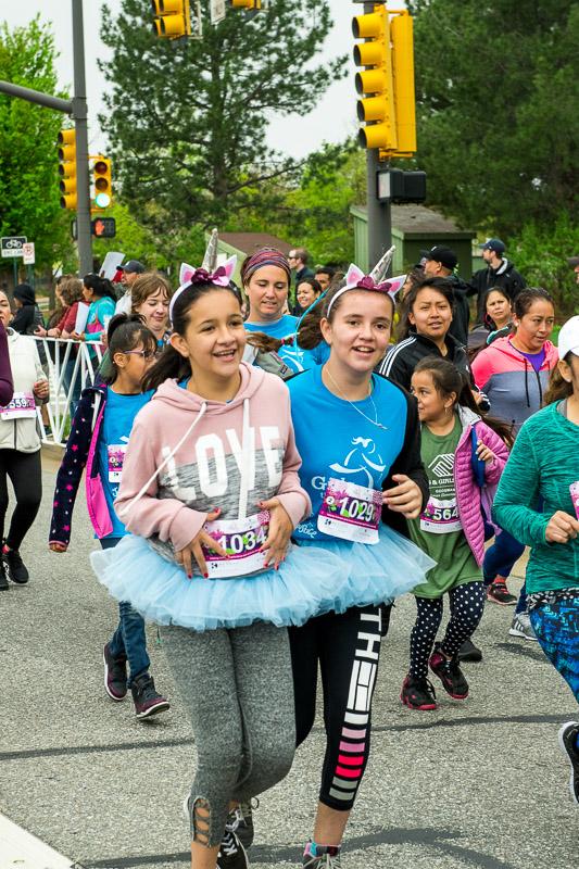 Girls-on-the-run-volunteering-23.jpg