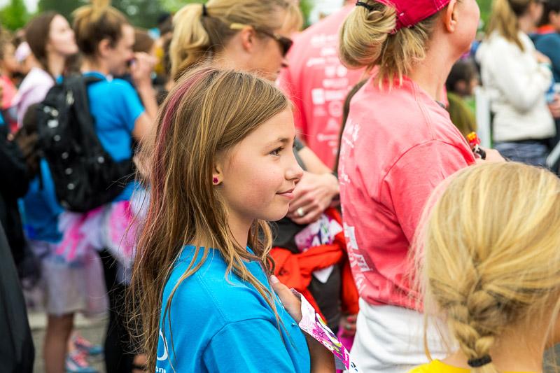 Girls-on-the-run-volunteering-18.jpg