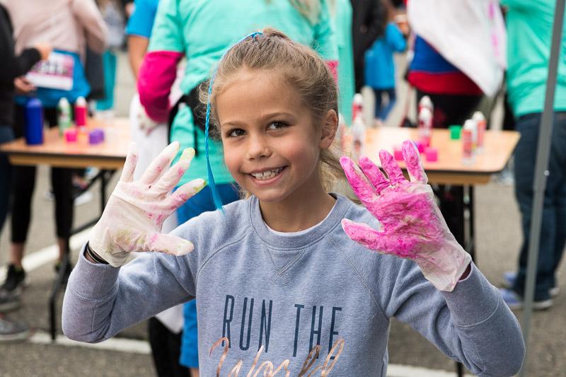 Girls-on-the-run-volunteering-15.jpg