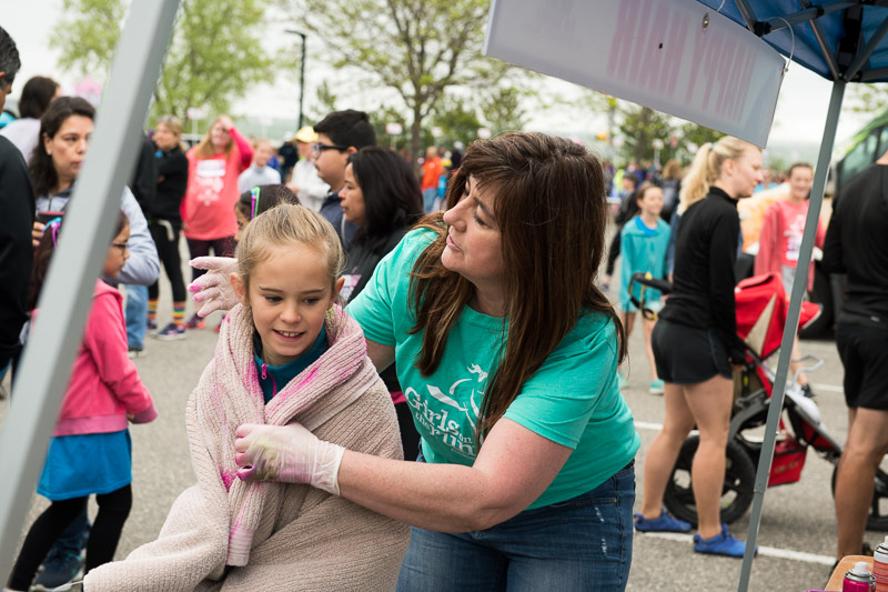 Girls-on-the-run-volunteering-14.jpg