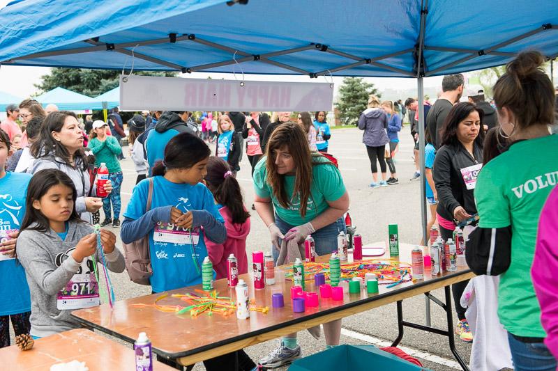 Girls-on-the-run-volunteering-11.jpg
