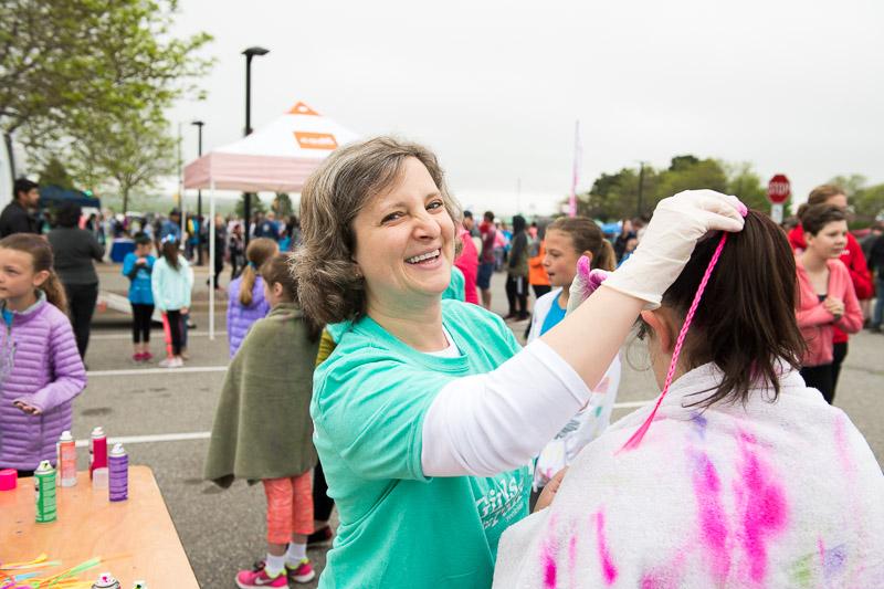 Girls-on-the-run-volunteering-2.jpg