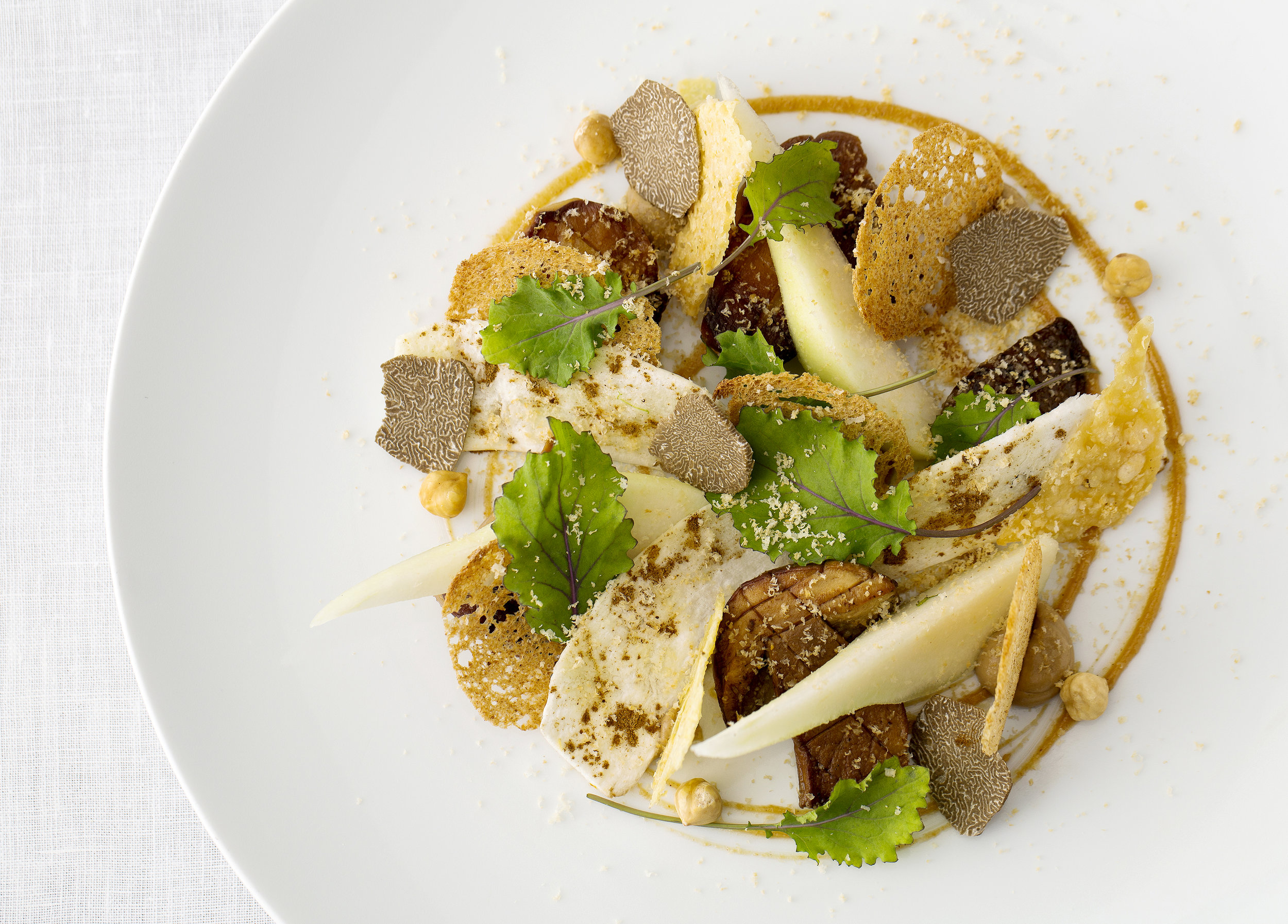 New forest wild mushroom salad, roasted hazelnut, pears and sourdough croutons_2.jpg