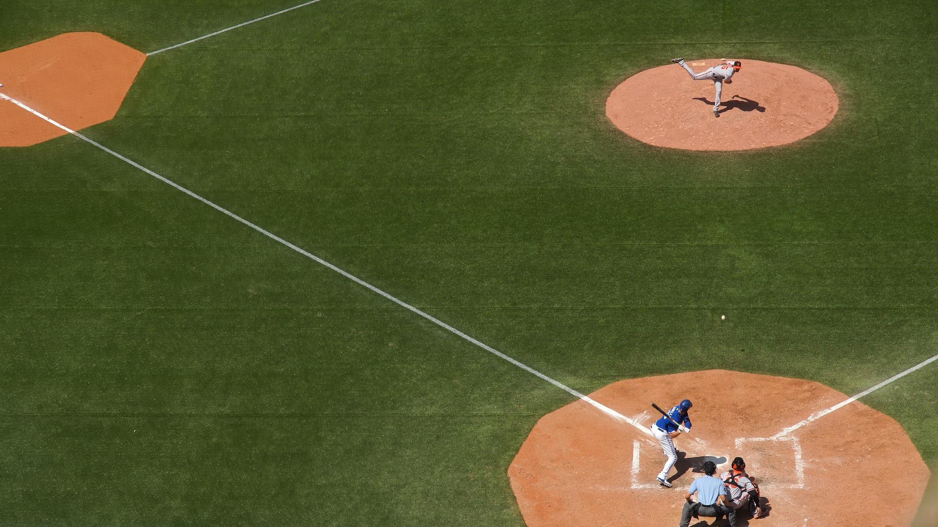 baseball-field-828713_1920.jpg