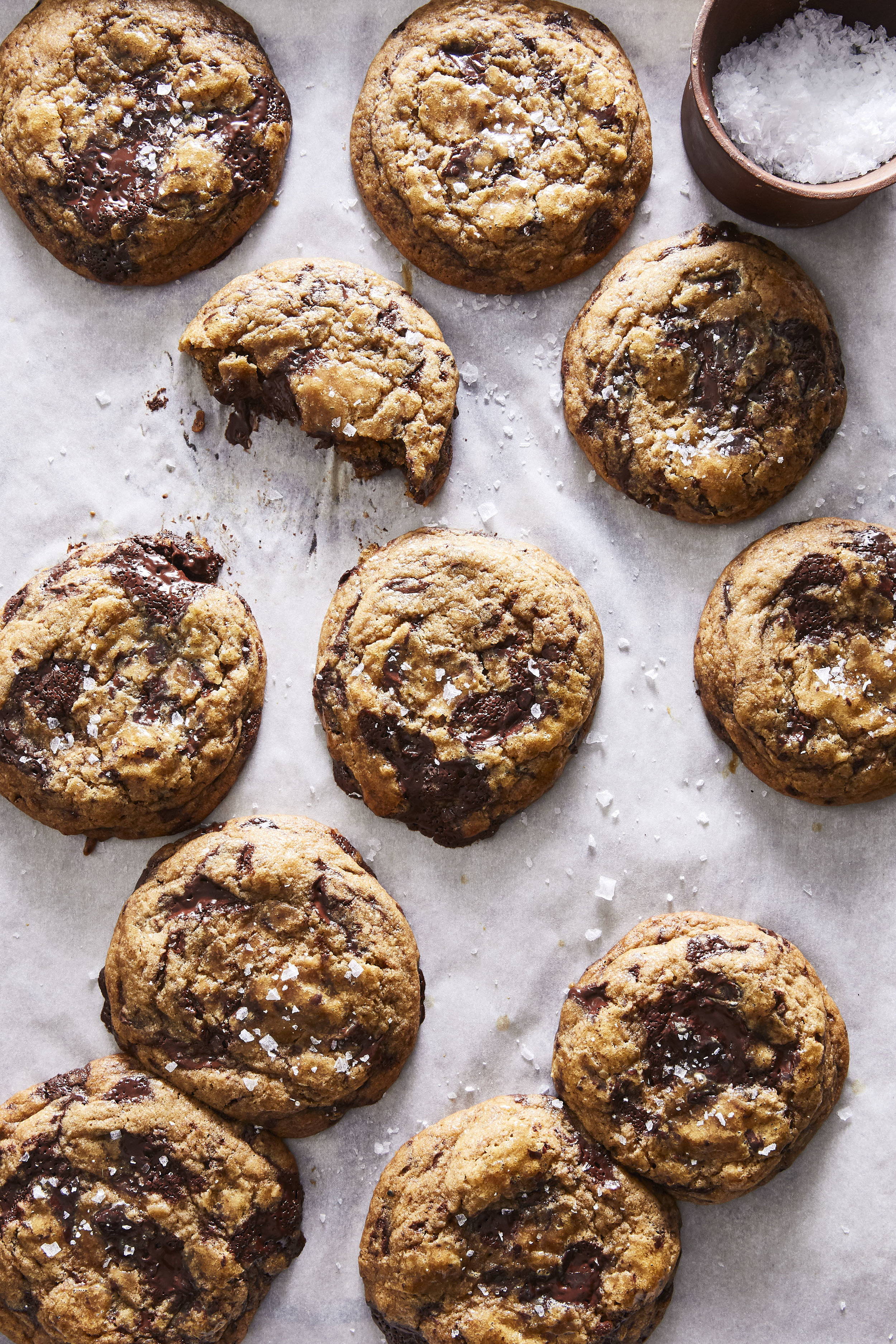 CHOCOLATE CHIP COOKIE FOR MODERN TIMES  (CODE: easy, healthyish, insanely delicious) from Sarah Copeland's Every Day is Saturday #everydayissaturdaycookbook #chocolatechipcookieformoderntimes #sarahcopeland #easybaking #chocolatechipcookies