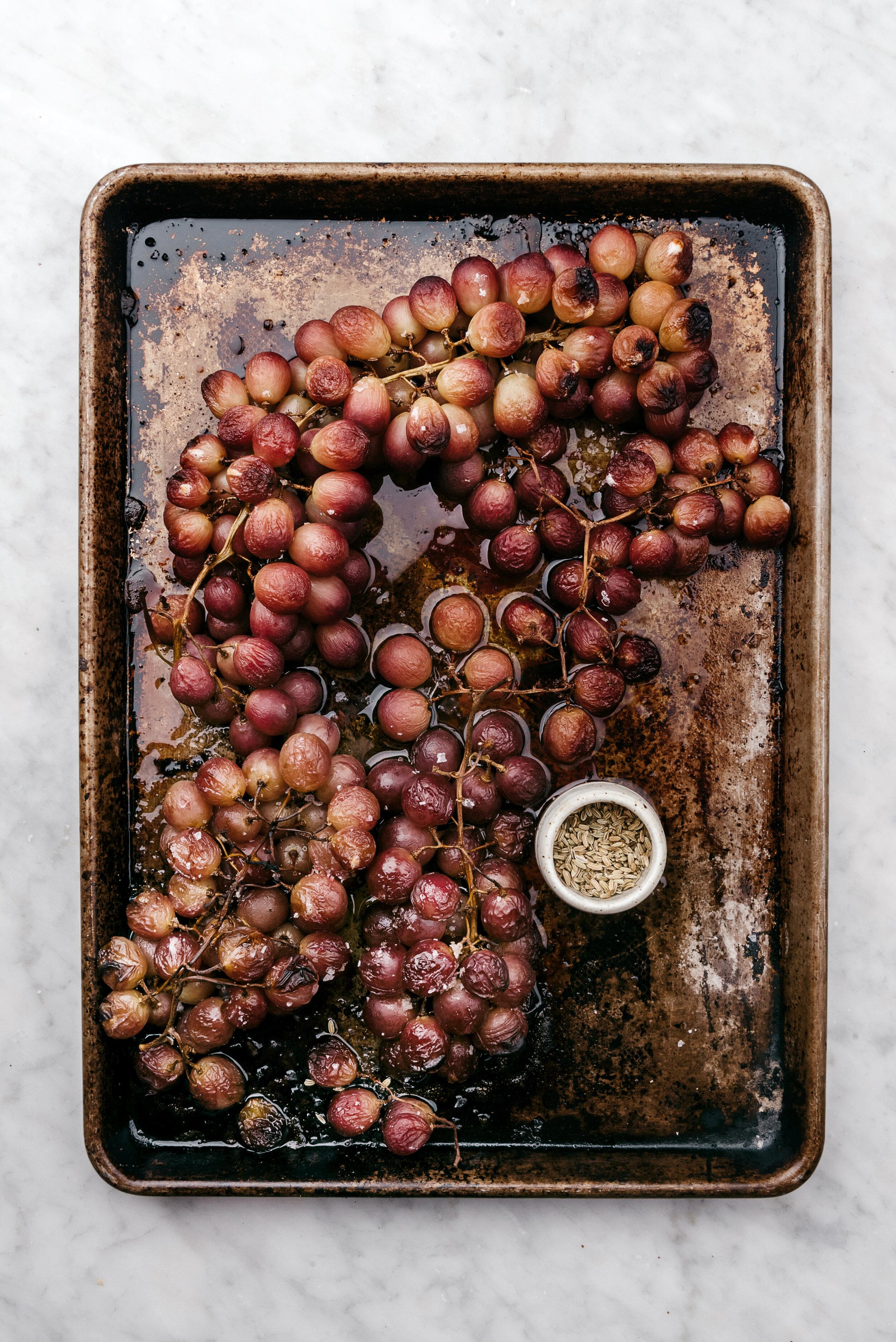 FENNEL ROASTED GRAPES #fallfruits #grapes #fennel  #sarahcopeland