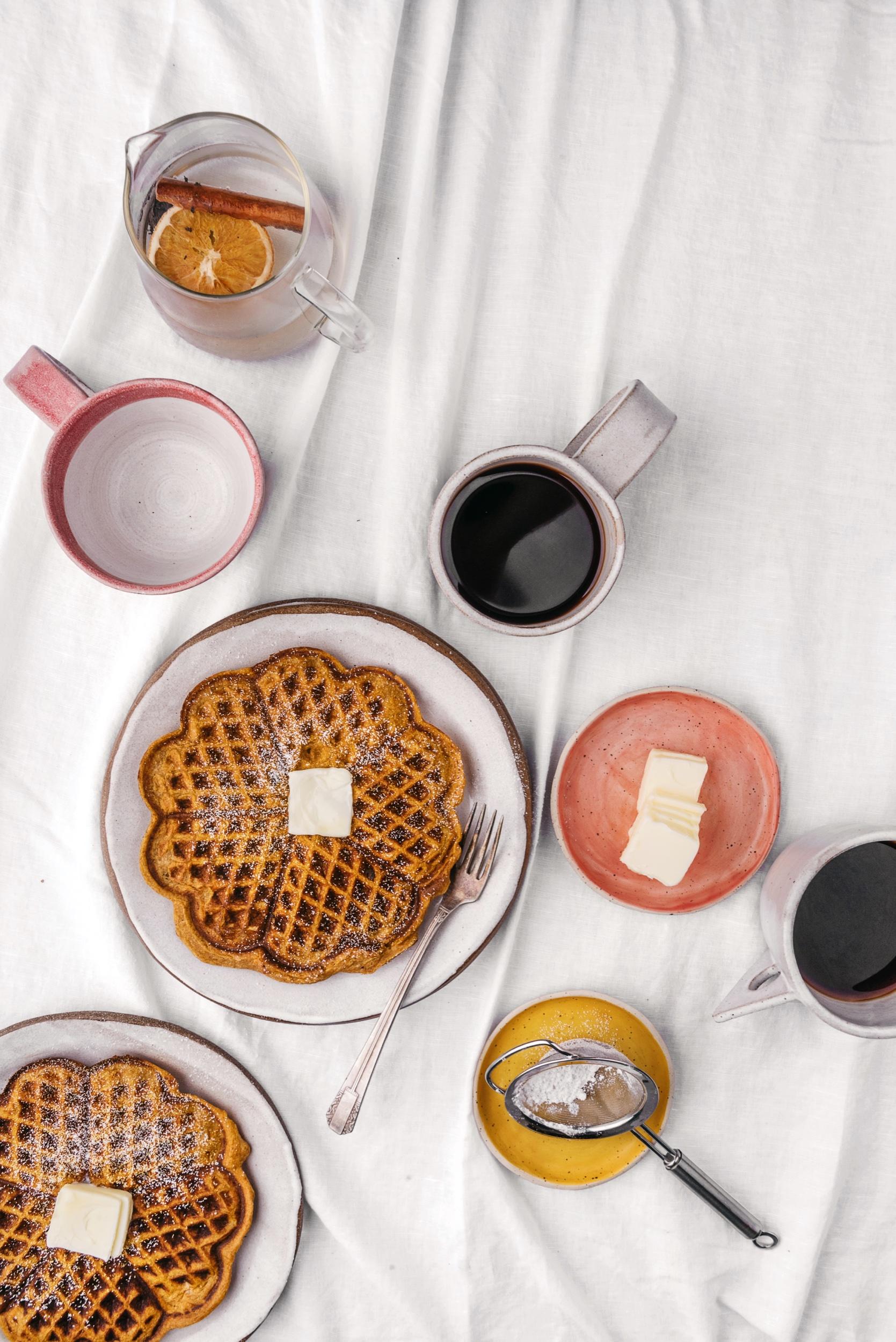 TENDER GLUTEN-FREE PUMPKIN  WAFFLES!!  #sarahcopeland #glutenfree #waffles  #pumpkinrecipes #fallrecipes
