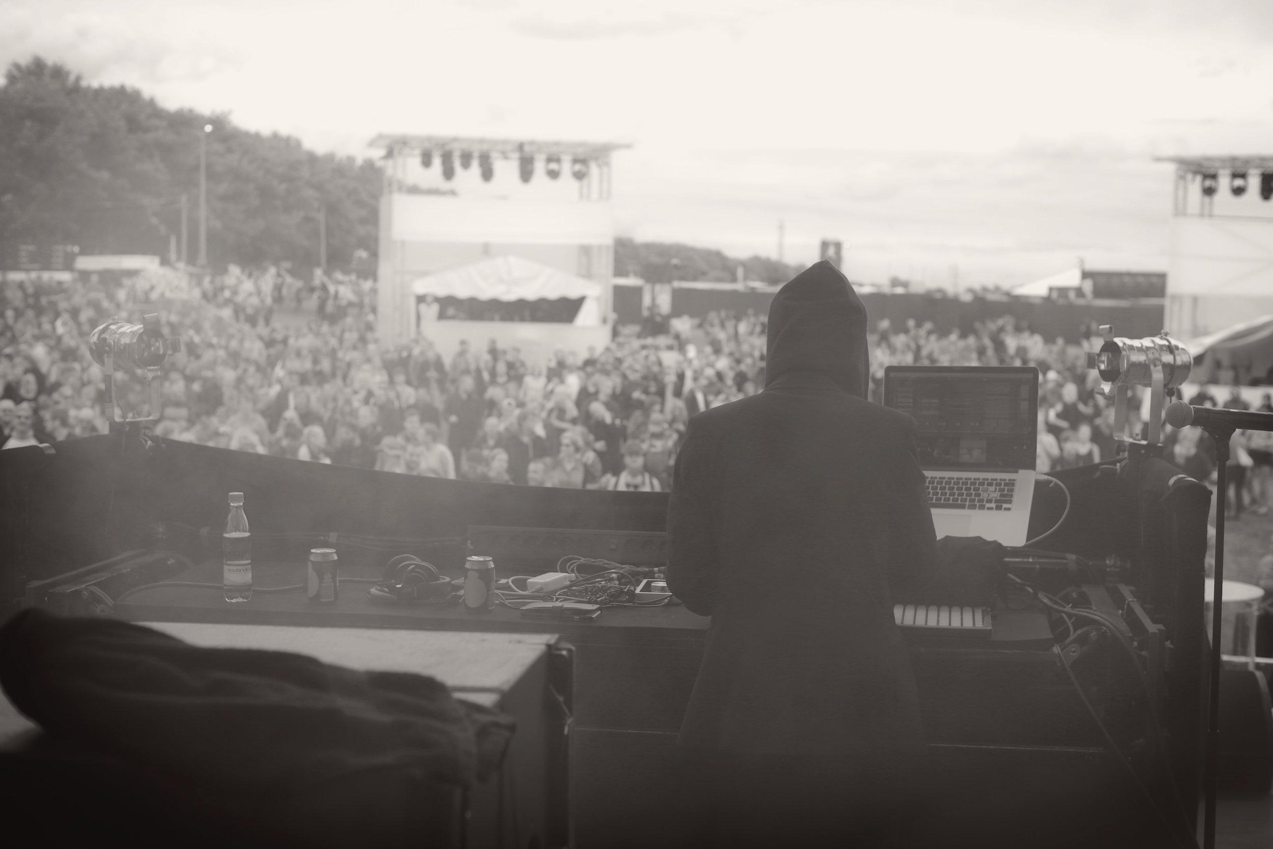 2016.07.02 - Roskilde Festival (Canon 5D Mark III 50mm)_14 - Bogart Warm.jpg