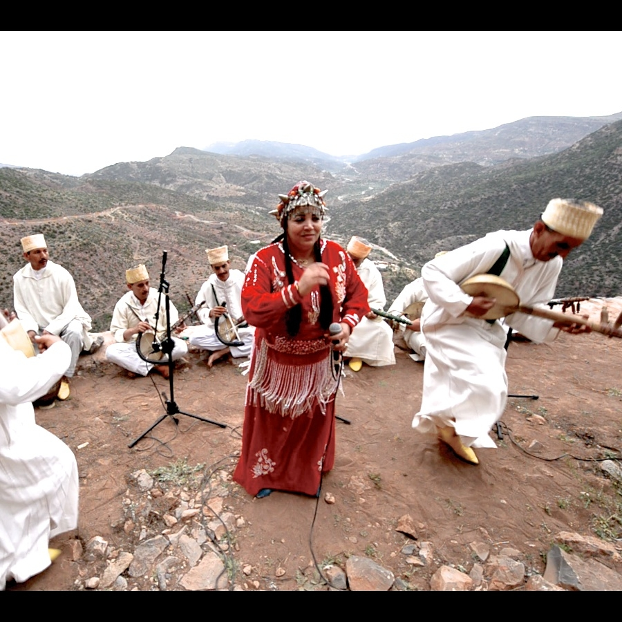 Symphonie Lahcen    Idhamou    (Morocco) - Hailing from Tiznit, Agadir, and neighboring villages, this group of virtuosos plays Amazigh songs typical of the Souss region, called music of the Rways.