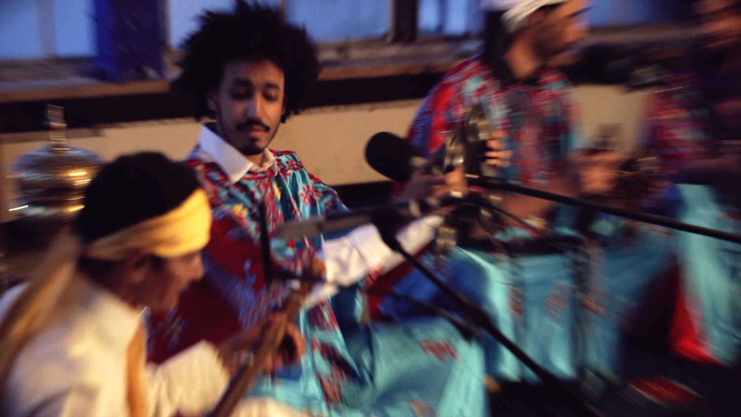 Innov Gnawa - [3] Hammadi - Music Video Screenshot_18 - LR (JPG 1500px 72 DPI).jpg