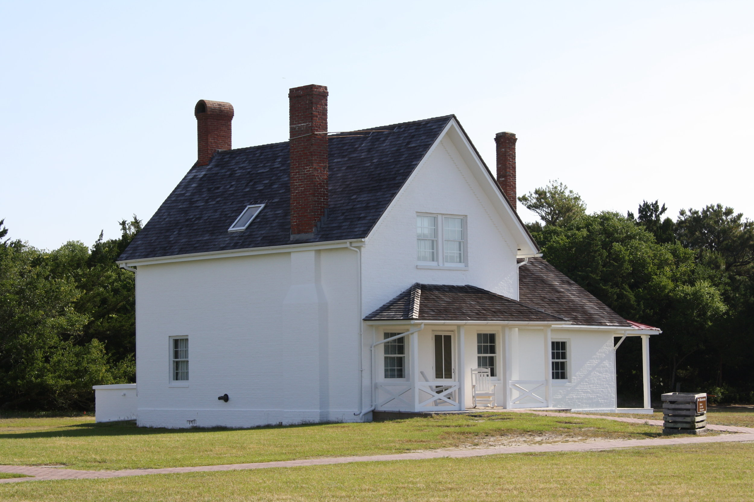 Cape Hatteras Lighthouse Principal Keeper's Quarters - BEECK Mineral Paints - Renosil Fine and Coarse.JPG