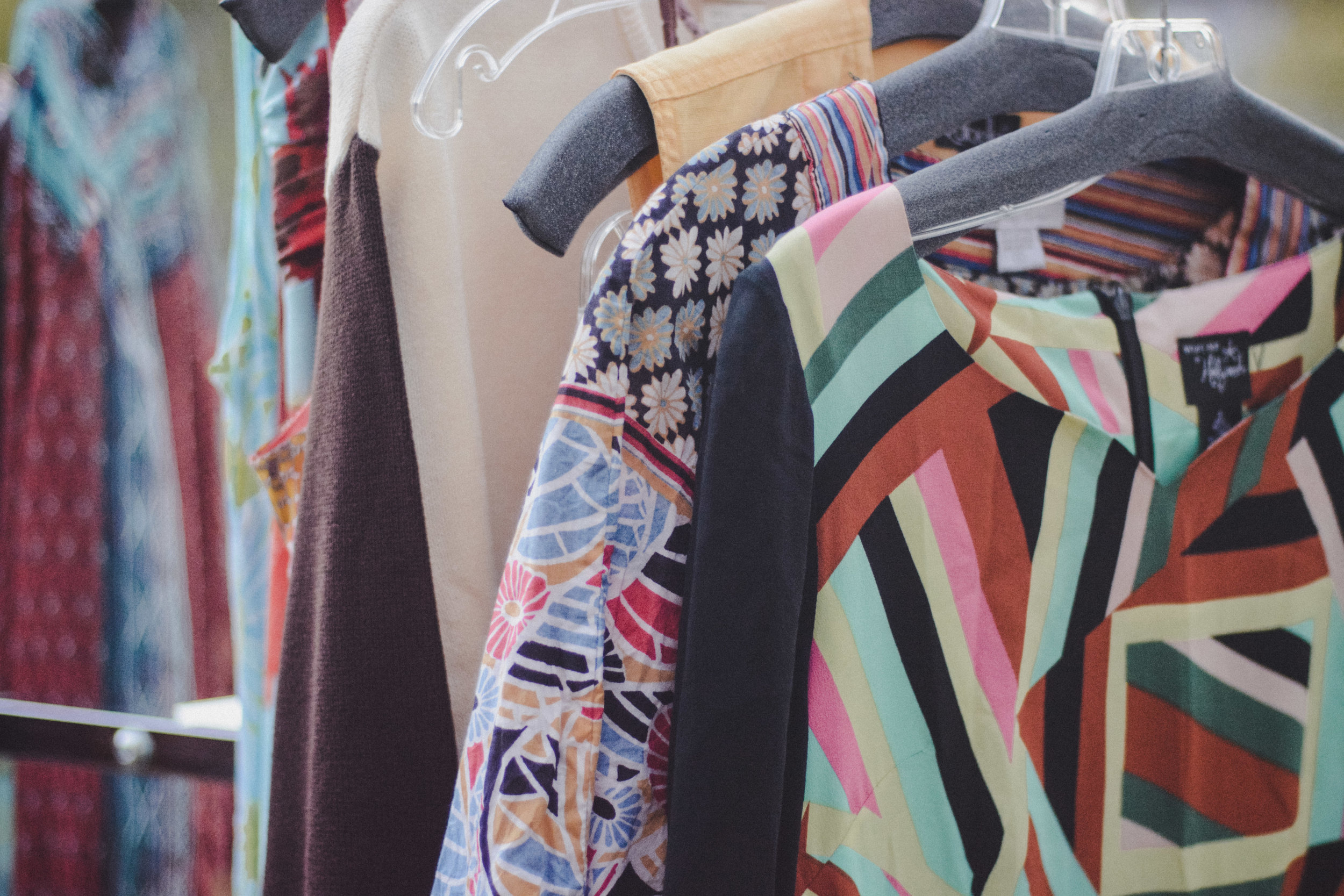 5 Reasons Thrifting is Awesome from Vagabondary