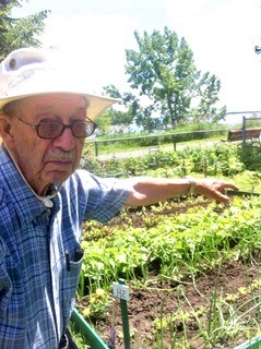 Roy in his community garden, 2013. (Photo Mary Lamey)