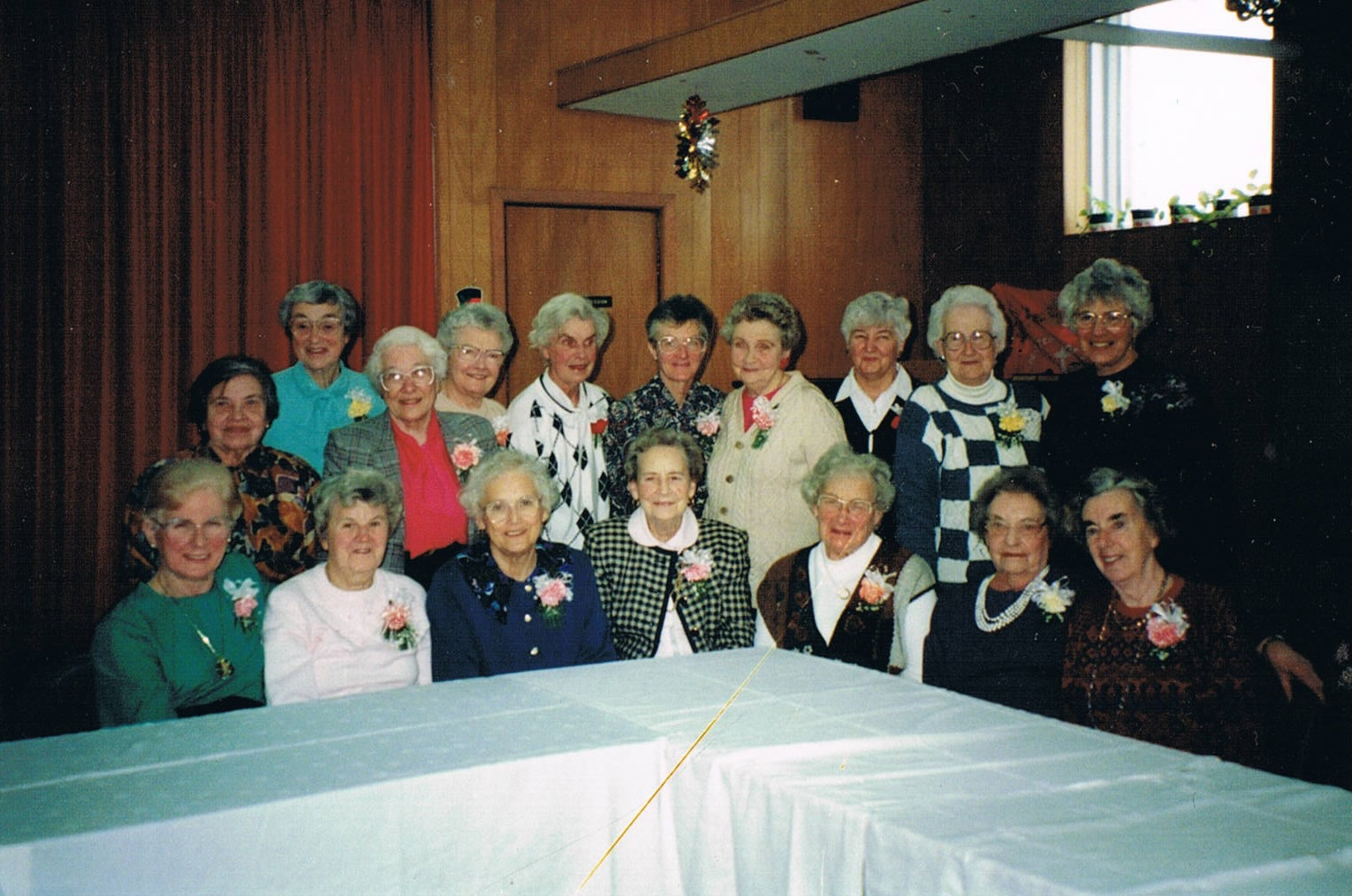 Crawford_ladies_1995.jpg